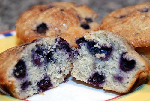 Big Blueberry Muffins To make blueberry muffins,