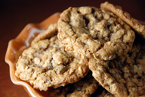 oatmeal-choc-chip-cookies